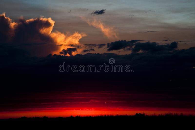 Coucher de soleil près de Warman, Saskatchewan, Canada photo libre de droits