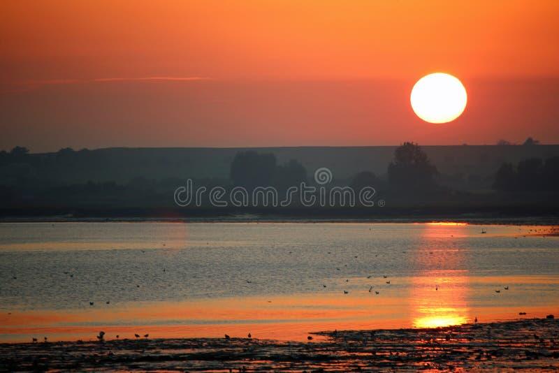 Coucher de soleil sur la rivière Stour images stock