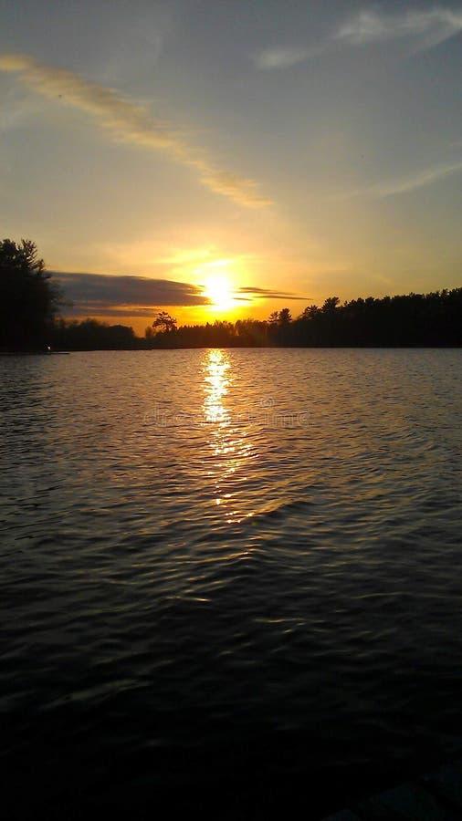 Coucher de soleil sur le lac Clear photos libres de droits