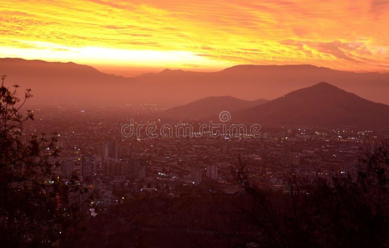 Coucher DE soleil sur Santiago de Chile royalty-vrije stock foto