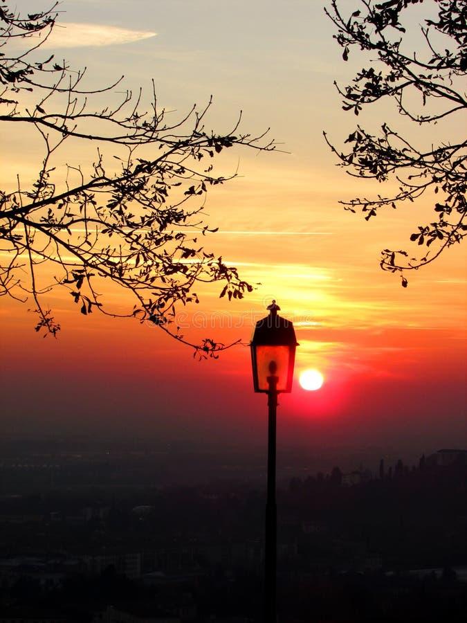 Coucher du soleil à Bergame image stock