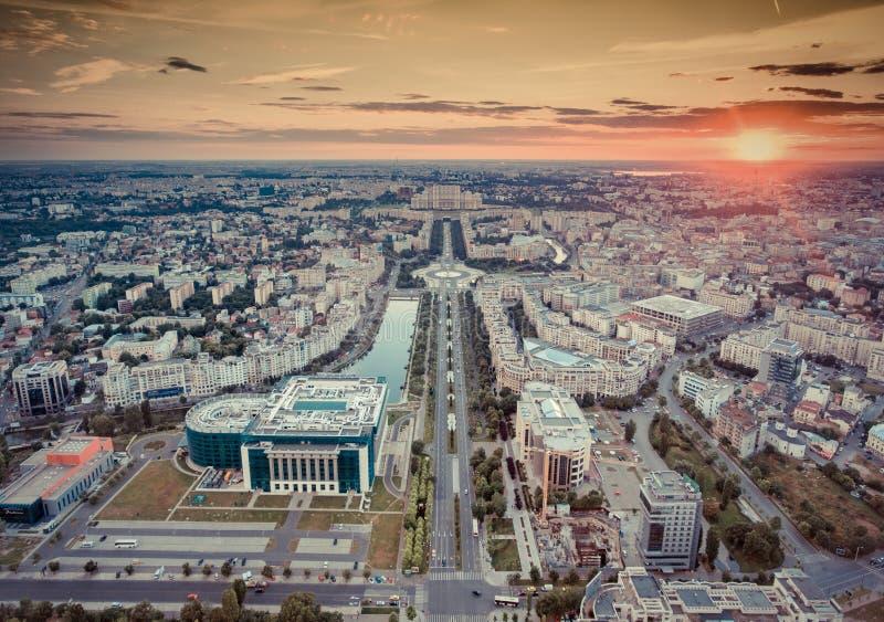 Coucher du soleil à Bucarest, Roumanie Vieux filtre de regard appliqué photo libre de droits