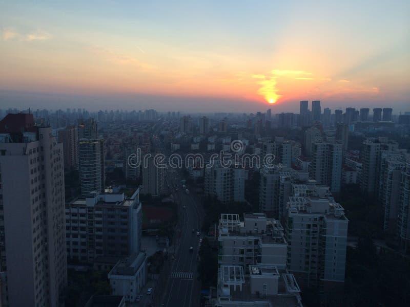 Coucher du soleil à Changhaï photos stock