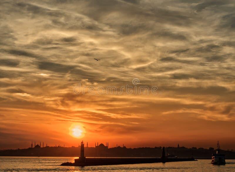 Coucher du soleil à Istanbul image libre de droits