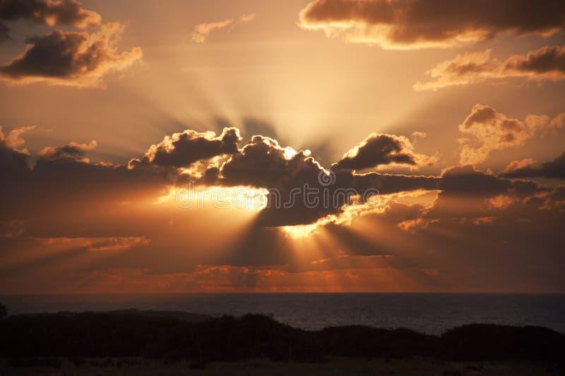 Coucher du soleil à la mer Méditerranée photo stock