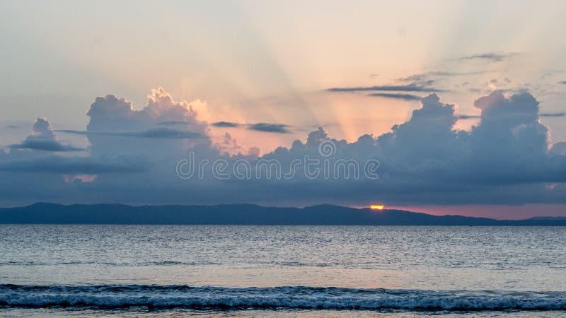Coucher du soleil à la plage de Laxmanpur, Neil Island photographie stock
