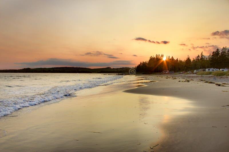 Coucher du soleil à la plage de Rissers images libres de droits