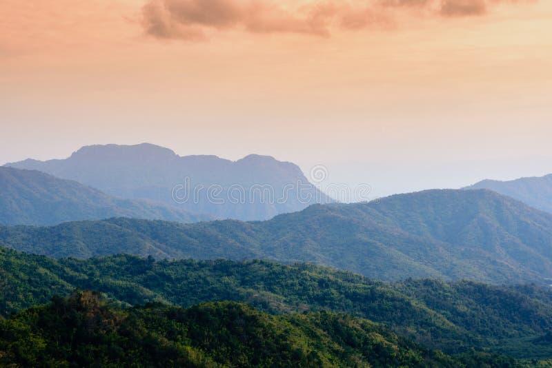Coucher du soleil à la roche de regard en parc national de Great Smoky Mountains images stock
