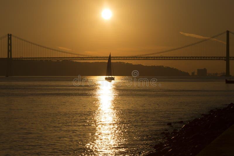 Coucher du soleil à Lisbonne Portugal images libres de droits