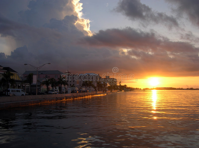 Coucher du soleil à Nassau photographie stock