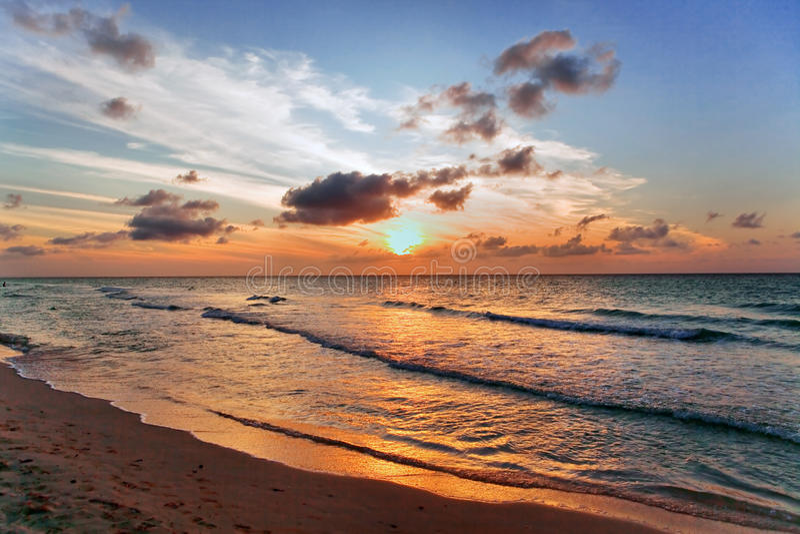 Coucher du soleil à Varadero, Cuba images libres de droits