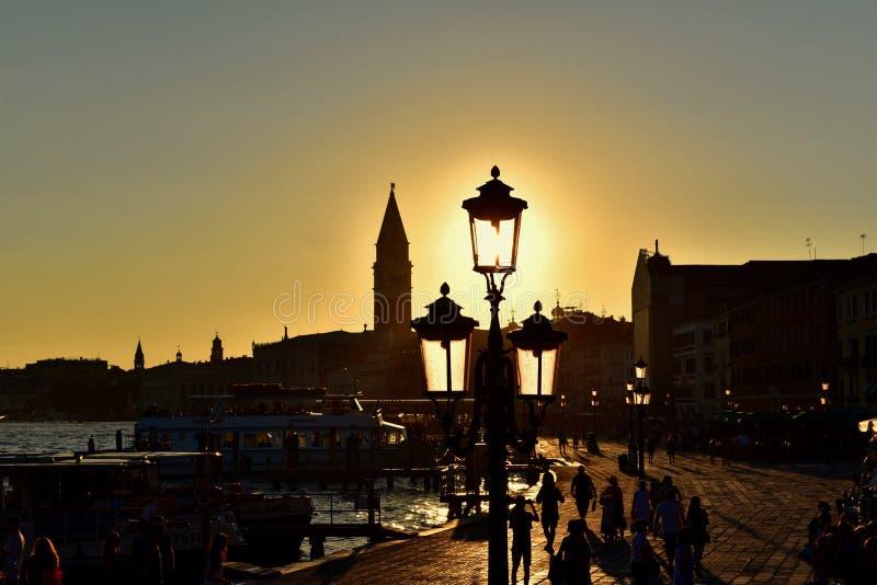 Coucher du soleil à Venise image stock