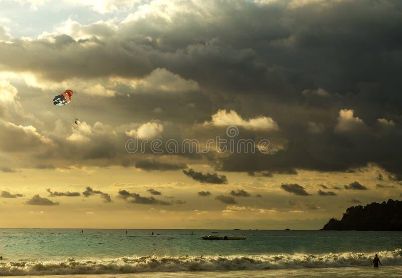 Coucher du soleil étonnant - Manuel Antonio, Costa Rica photo stock