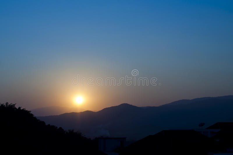 Coucher du soleil. photographie stock