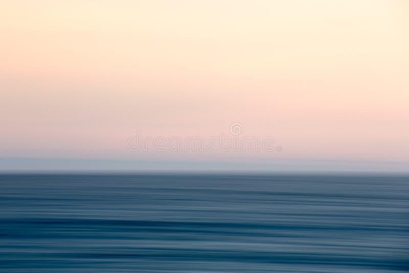 Coucher du soleil abstrait d'océan photos stock