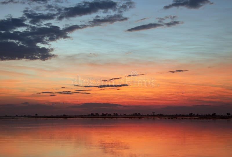Coucher du soleil africain - Botswana photo libre de droits
