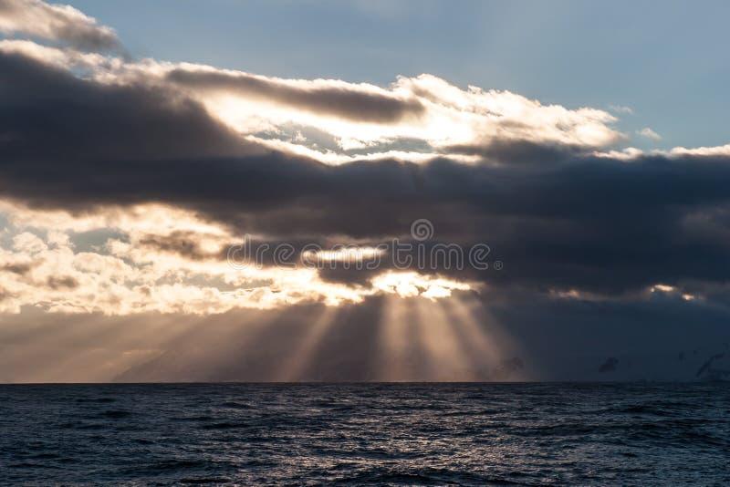 Coucher du soleil antarctique 1 photographie stock