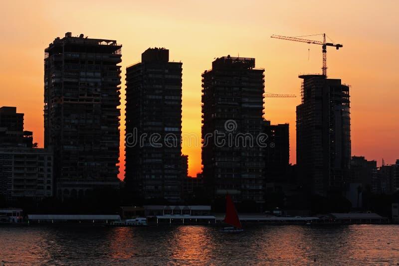 Coucher du soleil au Caire images stock