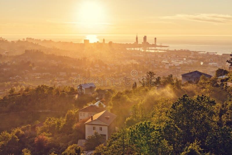 Coucher du soleil au-dessus de Batumi georgia photographie stock libre de droits