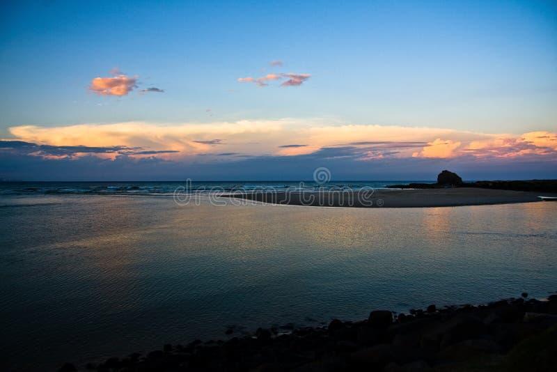 Coucher du soleil au-dessus de l'océan photographie stock