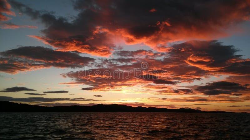 Coucher du soleil au-dessus de la Mer Adriatique photographie stock libre de droits