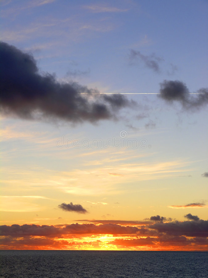 Coucher du soleil au-dessus de la Mer du Nord image stock