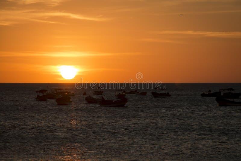 Coucher du soleil au-dessus de la mer en San Juan del Sur, Nicaragua images stock