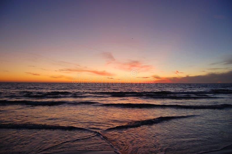 Coucher du soleil au-dessus de la mer, Santa Monica, Los Angeles, CA, Etats-Unis image stock