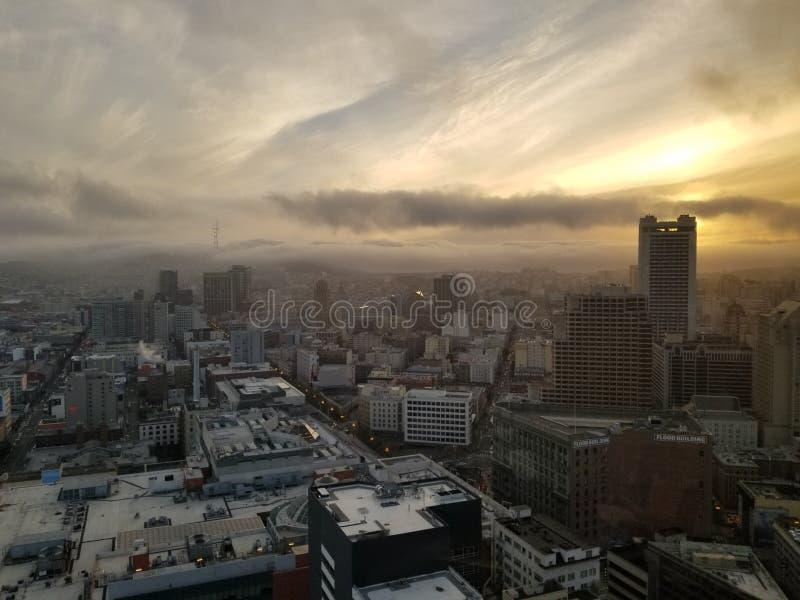Coucher du soleil au-dessus de SalesForce images libres de droits