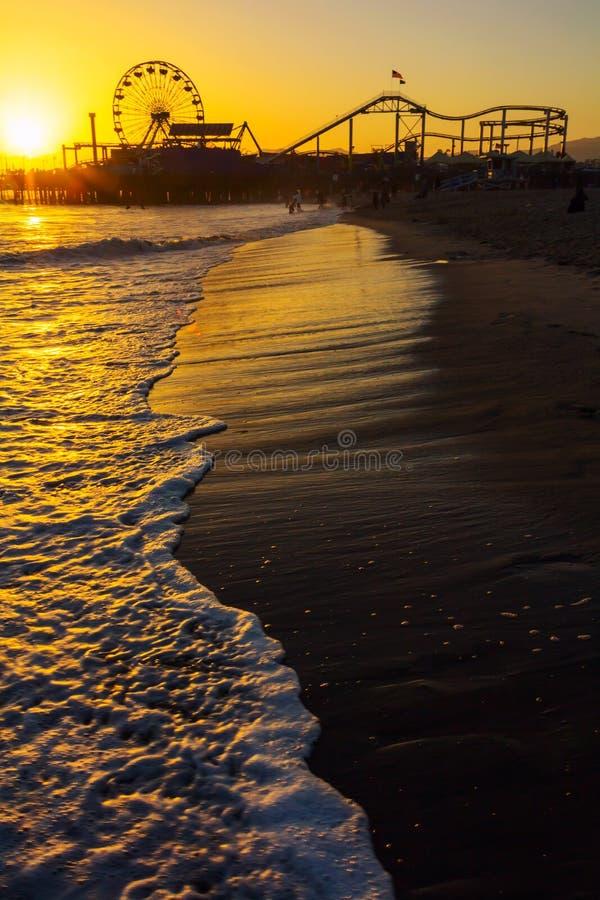 Coucher du soleil au-dessus de Santa Monica Pier photo libre de droits