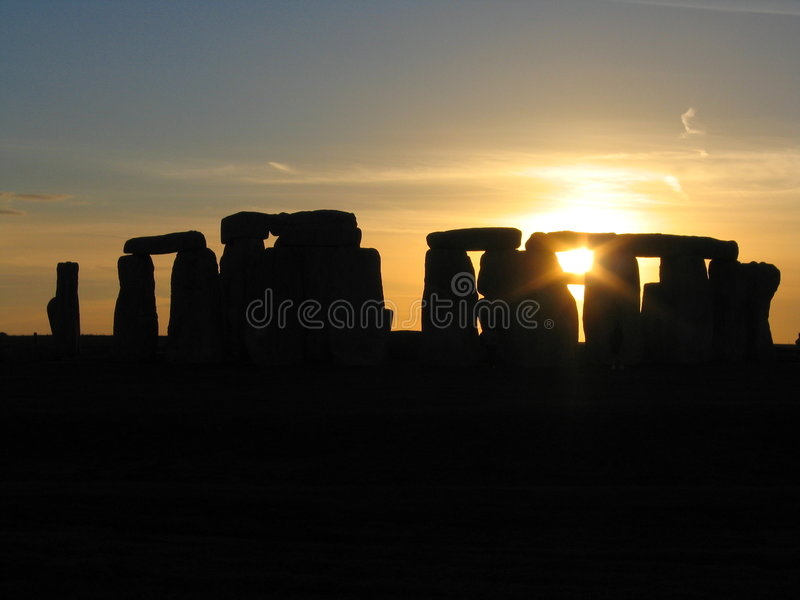 Coucher du soleil au-dessus de Stonehenge photo libre de droits