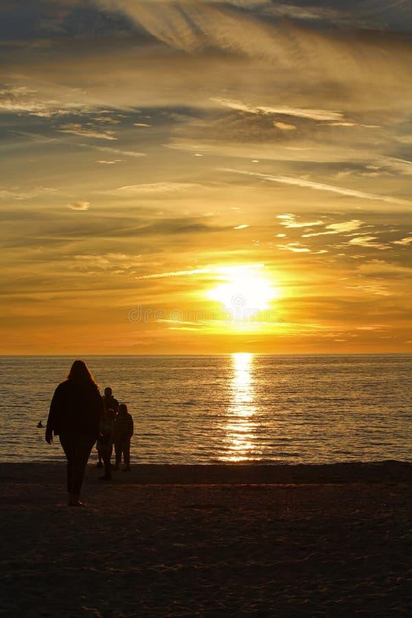 Coucher du soleil au-dessus du Golfe du Mexique photos libres de droits