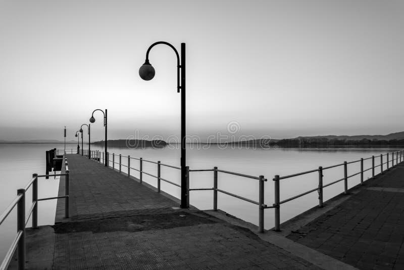 Coucher du soleil au lac Trasimeno images stock