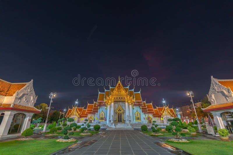 Coucher du soleil au mus?e de descendants de dragon dans Suphanburi photographie stock