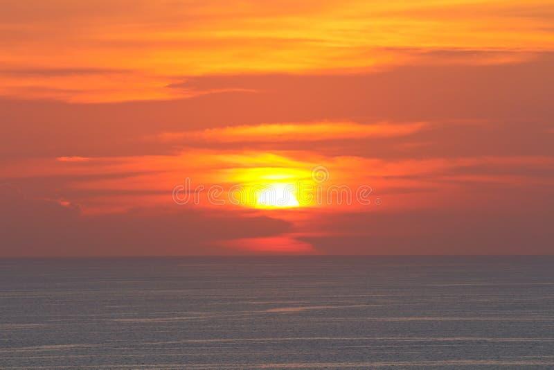 Coucher du soleil au point de vue de Phuket Thaïlande photos stock