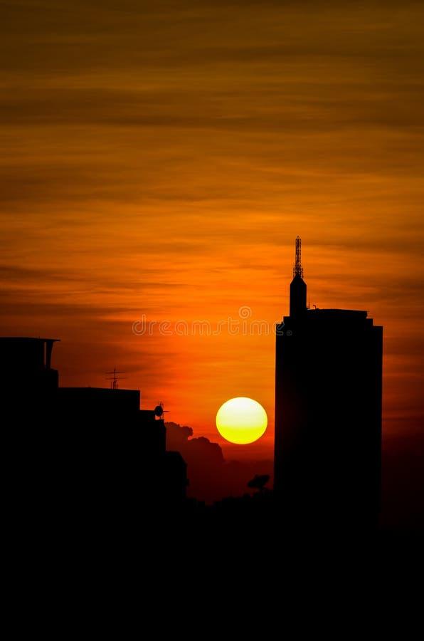 Coucher du soleil au secteur du centre, Bangkok Thaïlande photographie stock libre de droits