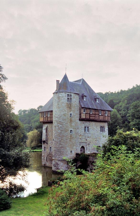 Coucher du soleil belge de château images stock