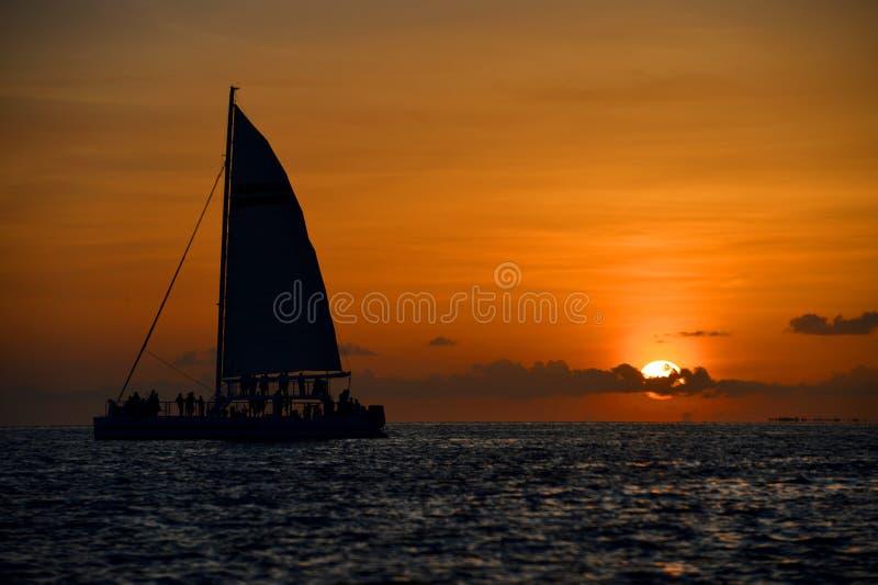 Coucher du soleil célèbre à Key West, FL image libre de droits