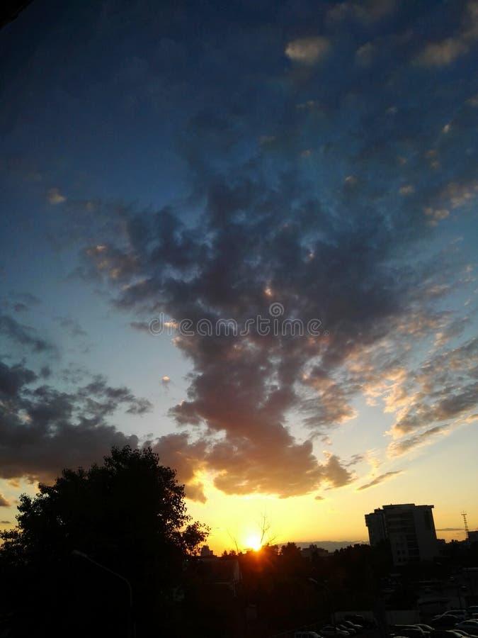 coucher du soleil chaud photos libres de droits