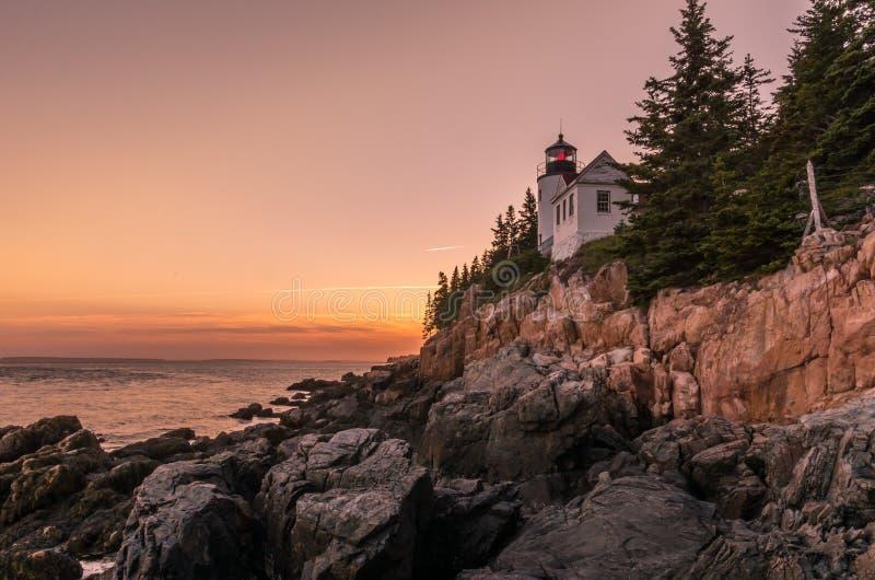 Coucher du soleil chez Bass Harbor Head Light photographie stock