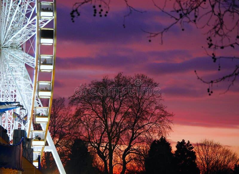 Coucher du soleil chez Hyde Park photo stock