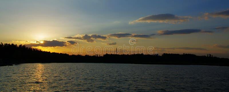 Coucher du soleil chez le Forest Park Beijing China olympique photo stock