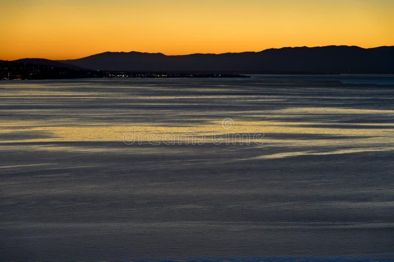 Coucher du soleil chez le Lac Léman photographie stock