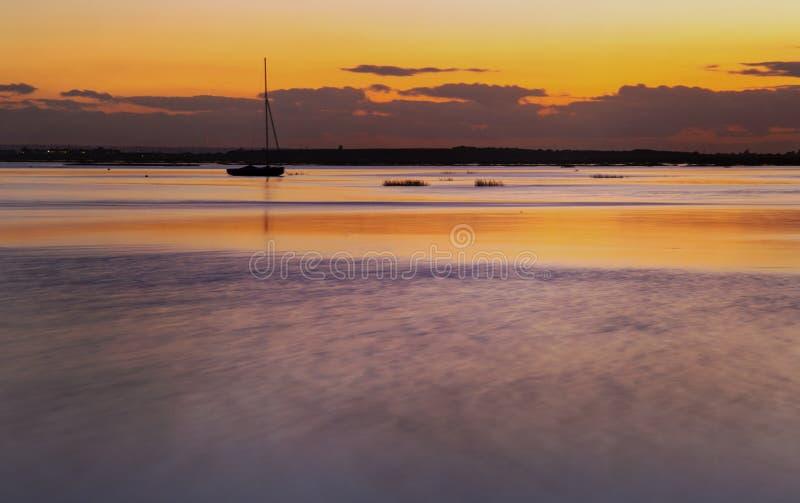 Coucher du soleil chez Leigh On Sea, Essex, Angleterre photographie stock libre de droits