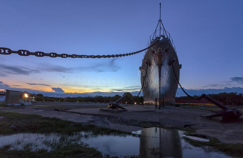 Coucher du soleil chez Mae Klong Luang Boat Museum, Pom Phrachun, Phra Samut Chedi, Samut Prakan, Thaïlande image stock