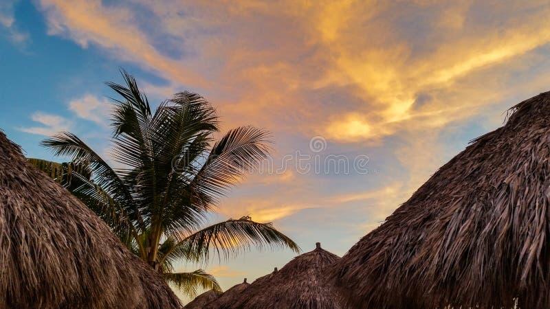 Coucher du soleil chez Playa Mita, Mexique image stock