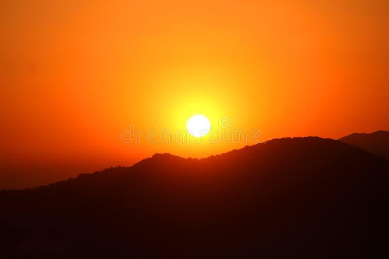 Coucher du soleil chez Raja Seat photographie stock