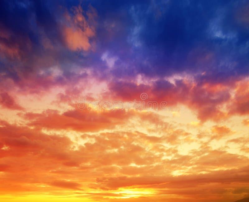 coucher du soleil coloré de ciel photo stock