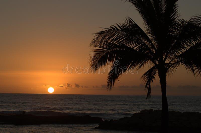 Coucher du soleil d'île images libres de droits