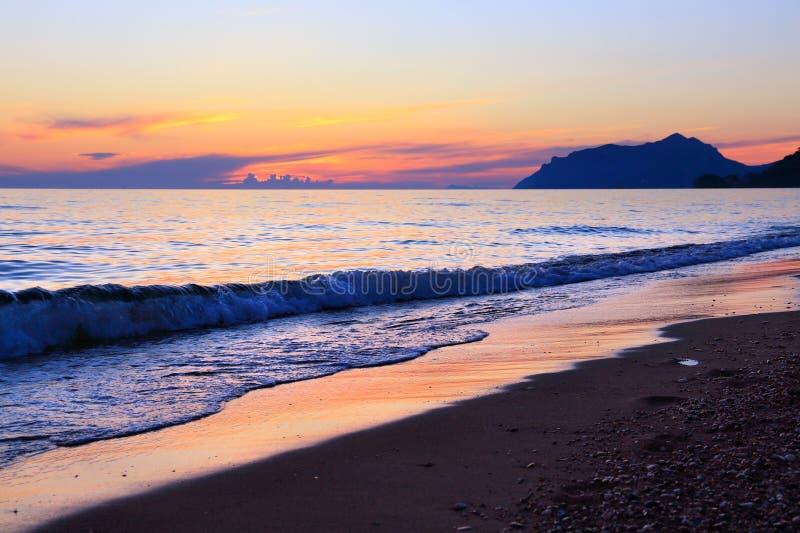 Coucher du soleil d'île de Corfou photographie stock libre de droits
